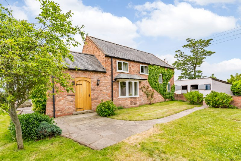 Crofters Cottage, Deeside Lane, Sealand Road, Chester, CH1 6BB